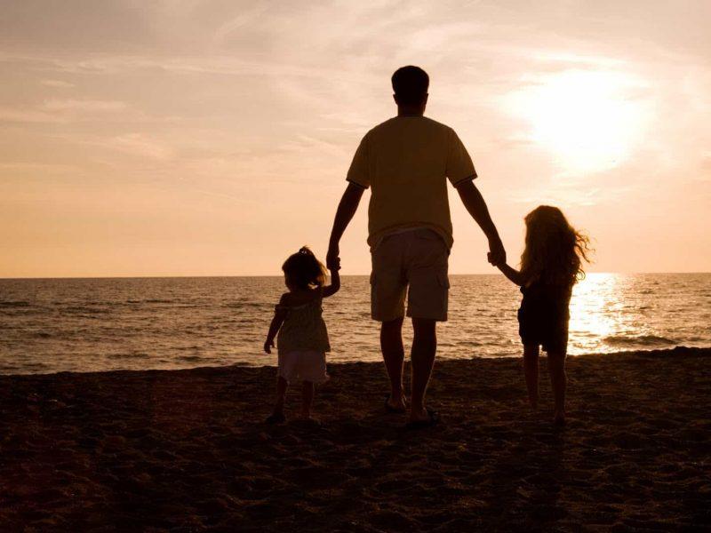 До чого сниться покійний батько з тлумачень сонників і за загальним значенням сновидіння