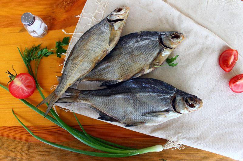 До чого сниться сушена (в'ялена) риба: тлумачення за різними сонникам
