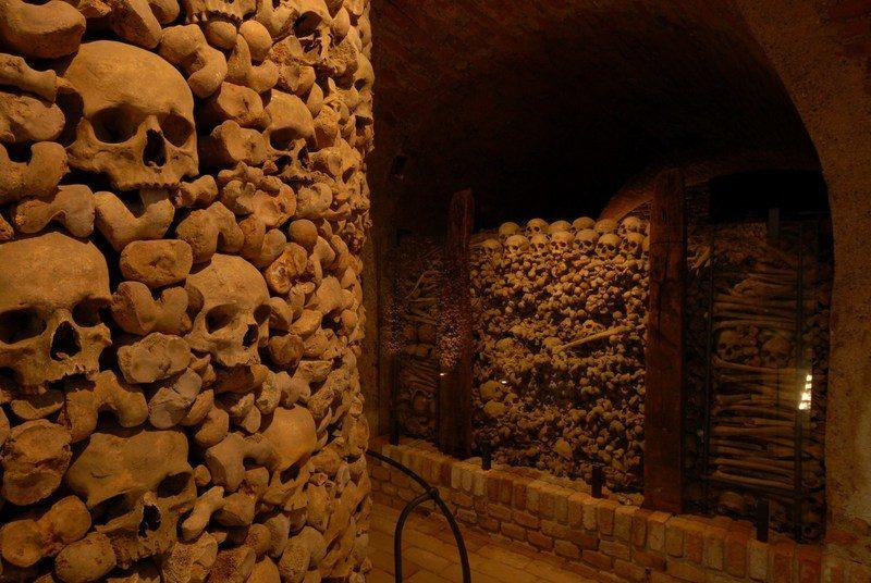 До чого сняться людські кістки й черепи: тлумачення з популярним сонникам